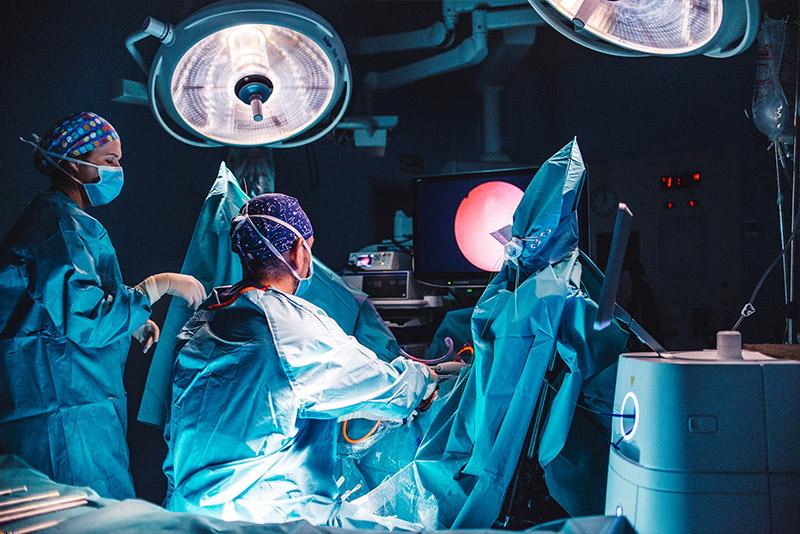 ¿Cuánto dura la cirugía de próstata con láser de luz verde?